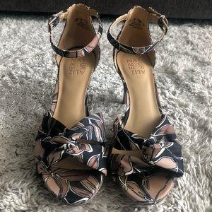Naturalizer Floral Heels